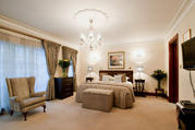 A Choice Of Central Mayfair Accommodation